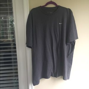 XXL Nike gray tee excellent condition A003